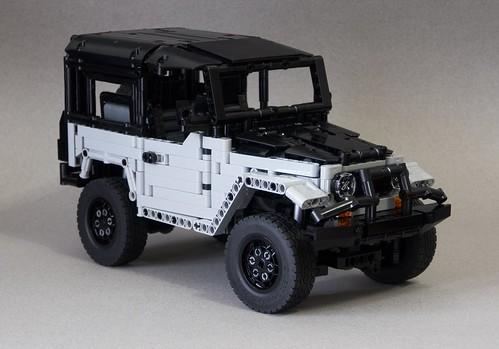 LEGO ICON FJ40 Baja Edition Style (Original TLC FJ40 / ICON FJ40 BAJA 1000 Limited Edition designed by RM8)