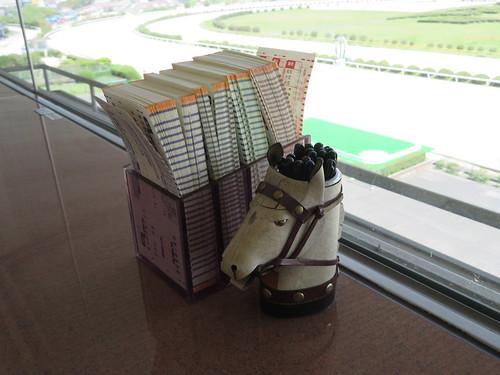佐賀競馬場のロイヤル席のマークカード置き場