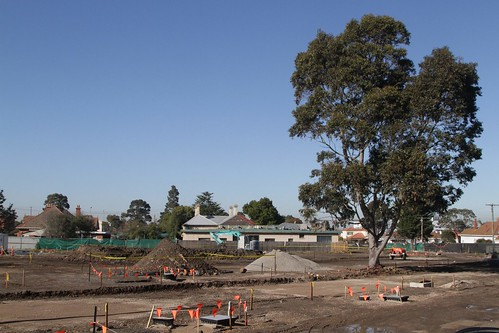 Rebuilding the gravel car park at Footscray University