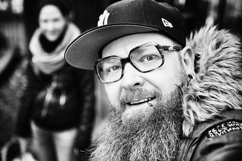 Yeahh ich hab meine Brille wieder gefunden 😍😍😍#ronnylight #brille #mcfitti #beard #blackandwhite #blackandwhitephotography #glasses #canon #canonphotography #canoneosm3 #snapseed #truereligion