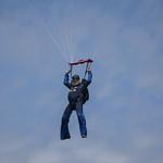 Experienced skydiver Larry Ekstrom