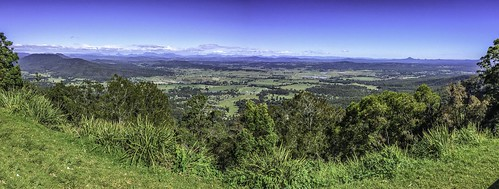 landscape panorama 4imageiphone grassyclearing slope hanggliding launchingarea vista canungra scenicrim brisbane hinterland tamborinemountain