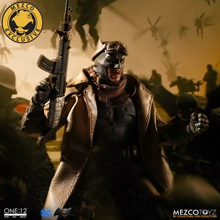MEZCO – ONE:12 COLLECTIVE 系列【噩夢蝙蝠俠】Knightmare Batman 1/12 比例人偶作品