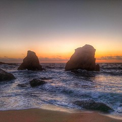 #sea #ocean #pacific #pacificocean #california #cali #socal #beautiful #beach #pfeifferbeach #sunset #waves #majestic #godisgood #godisgreat #creation #godscreation #pointsur #garrapata