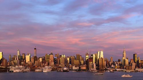 byscottphotos newyork newyorkcity nyc ny weehawken nikon nikkor d800 thebigapple hudsonriver manhattan landscape city skyscrapers sunset dusk empirestatebuilding empirestate 2470mm f28
