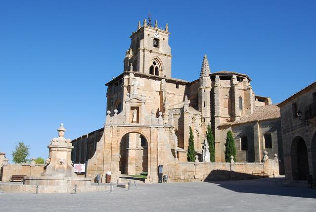 Iglesia. Sasamón (Burgos)