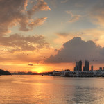 11. Aprill 2017 - 13:05 - A dramatic sunset captured from Sentosa Boardwalk in Singapore.