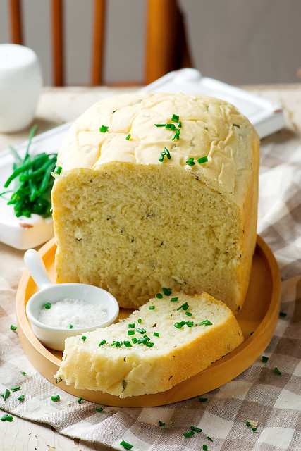 sour cream chive bread, Nikon D3100, AF-S VR Micro-Nikkor 105mm f/2.8G IF-ED