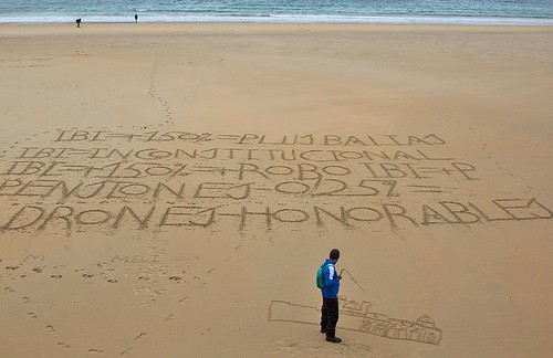 Writing in the sand, San Sebastian