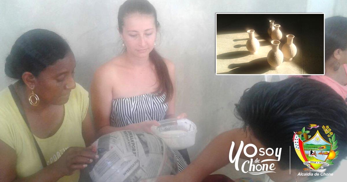 15 mujeres se benefician del taller de reciclaje en El Rosario