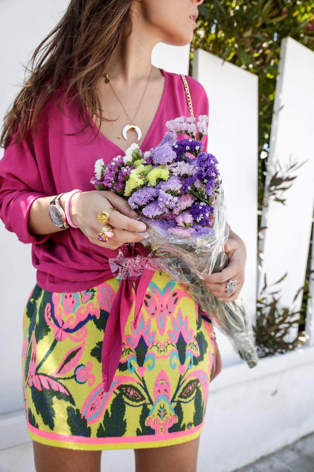 03_blusa_magenta_falda_amarilla_outfit_ruga_summer17_theguestgirl_influencer_barcelona_portugal_brand_ambassador