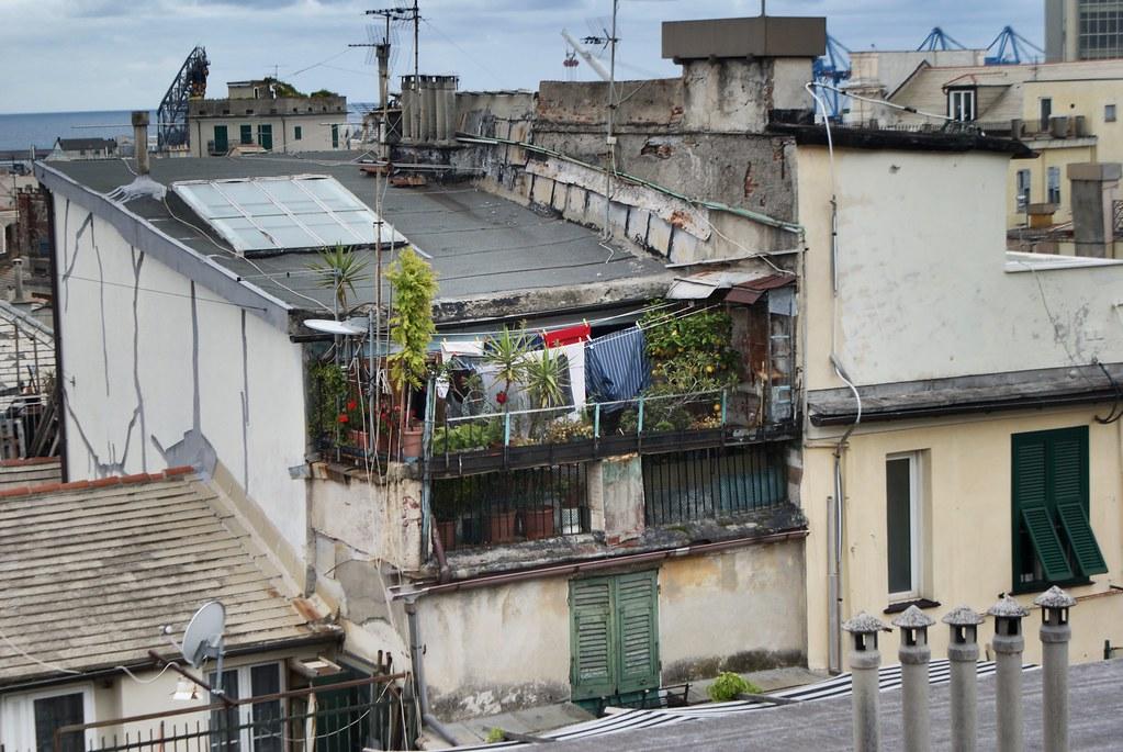 Sur les toits du quartier de Maddalena à Gênes.