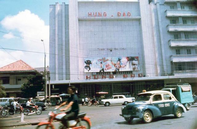 SAIGON 1968-70 - Rạp cải lương Hưng Đạo đường Trần Hưng Đạo