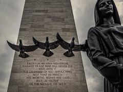 Monument  op de Amerikaanse erebegraafplaats in Margraten