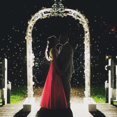 Little rain drops made my good photo into AWESOME image!! I am so chuffed right now :kissing_heart:  • • • • • #love #loveisintheair #leica #leicaphotographer #jimmycheng #jimmychengphotography #wedaward #fearlessphotographer #english #rps #bridebook #gro