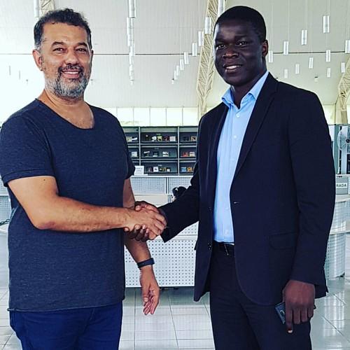 Eu e o vice consul africano da República do Togo Kossi Essodina Telou.