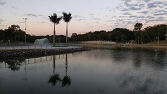 Fim de tarde @no_rumo do Parque das Águas, Cuiabá  #valerio2017 #travel #tourism l #cuiaba #matogrosso  #urban #nofilter #brazil #ecologia #enviroment #cpa #sky  #clouds #espelho  #landscape #reflex #photography #xepa #byvaleriadelcueto #try @delcueto.stu