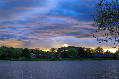 lakequannapowitt spring sunset clouds wakefield massachusetts