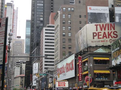Twin Peaks Billboard Times Square 2017 NYC 5121