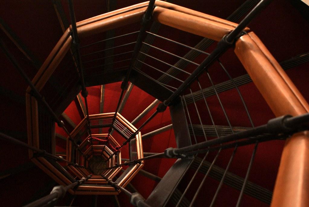 Escalier en colimaçon du Palazzo Rosso à Gênes.