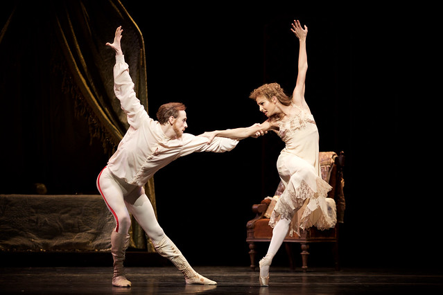 Edward Watson as Crown Prince Rudolf and Francesca Hayward as Princess Stephanie in Mayerling (C) ROH, 2017.