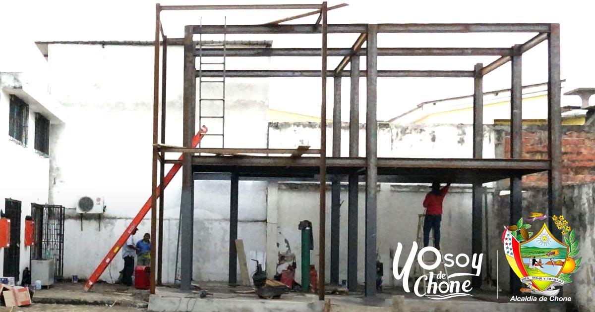 Continúan los trabajos de construcción del Archivo General de la Municipalidad de Chone