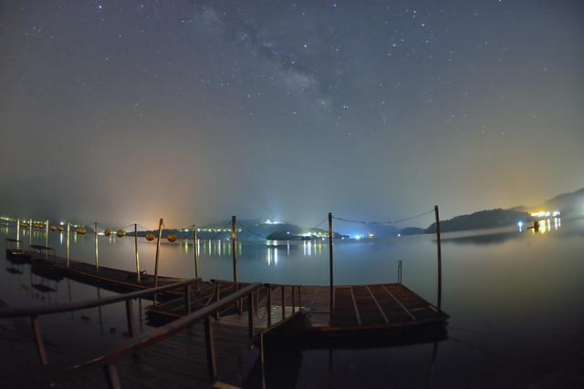 Milky way at Sun Moon Lake 蔣公碼頭銀河