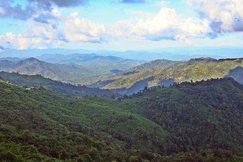 kwaiktiyo monstate myanmar burma asia asie goldenrock mountaintophotel view vista mountains eveninglight flickrtravelaward