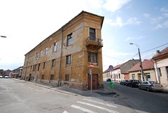 On the Corner - Oradea Iron House