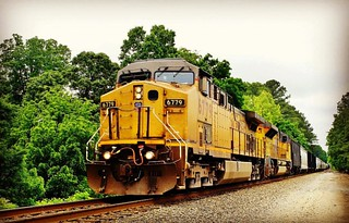 #ns #train 172 with an #ge #up leading a SD70ACe