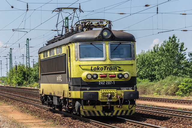 Lokotrain 242 287, Canon EOS 100D, Canon EF-S 55-250mm f/4-5.6 IS STM