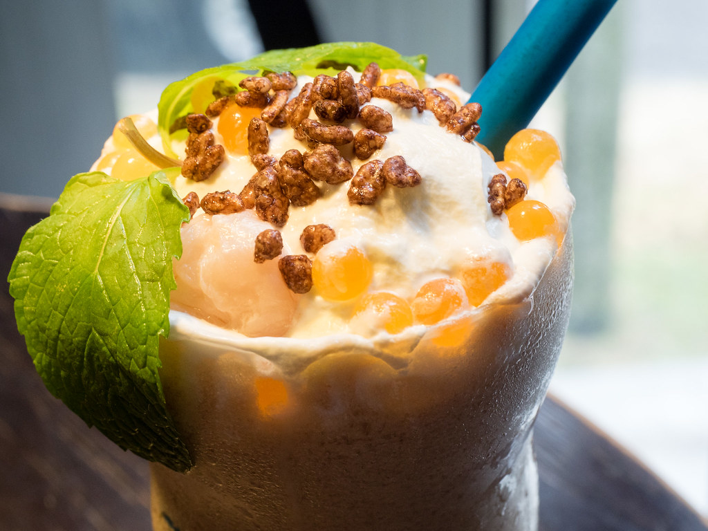 Mango Litchee Smoothie at Take Eat Easy Modern Bakery & Cafe