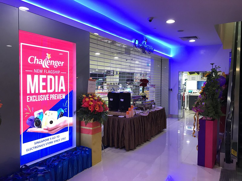 Challenger Flagship Store (Bugis Junction) - Entrance