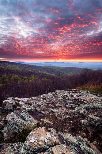 rock nature dawn hills background early morning national virginia scenic sky distant view usa landscape cloudy nationalpark mountains formation appalachian sun shenandoah colorful serenity beautiful travel dark panorama skylinedrive sunrise park foreground shadows contrast bright huntly unitedstates us