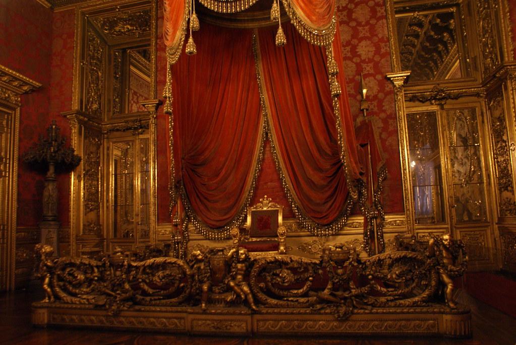 Trône dans le Palais Royal de Turin.
