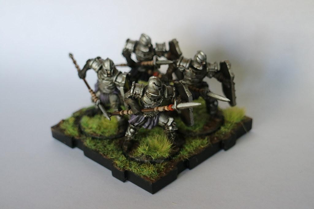 Runewars Miniatures Spearmen Purple Front