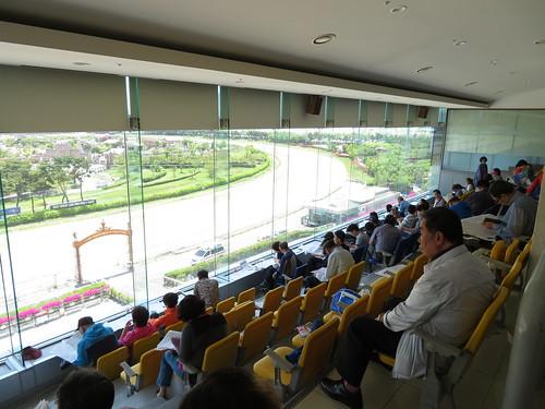 釜山慶南競馬場スタンド3階からの眺め