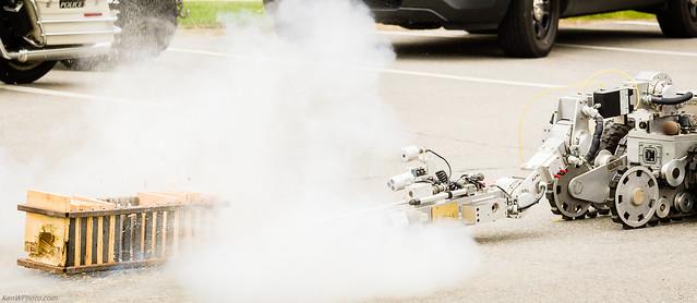 NH Explosive Disposal Unit robot
