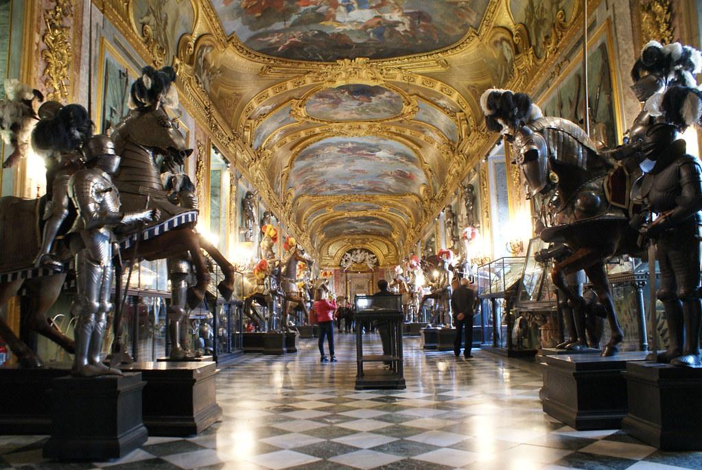 Grandiose salle principale de l'Armurerie royale de Turin.