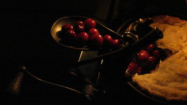 Cherry Pitting, Sony DSC-H2