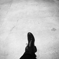 Waiting in the back #monochromatic #monochromatic #monochrome #blackandwhite #blackandwhitephotography #bw #bwphotography #noiretblanc #shoes #waiting