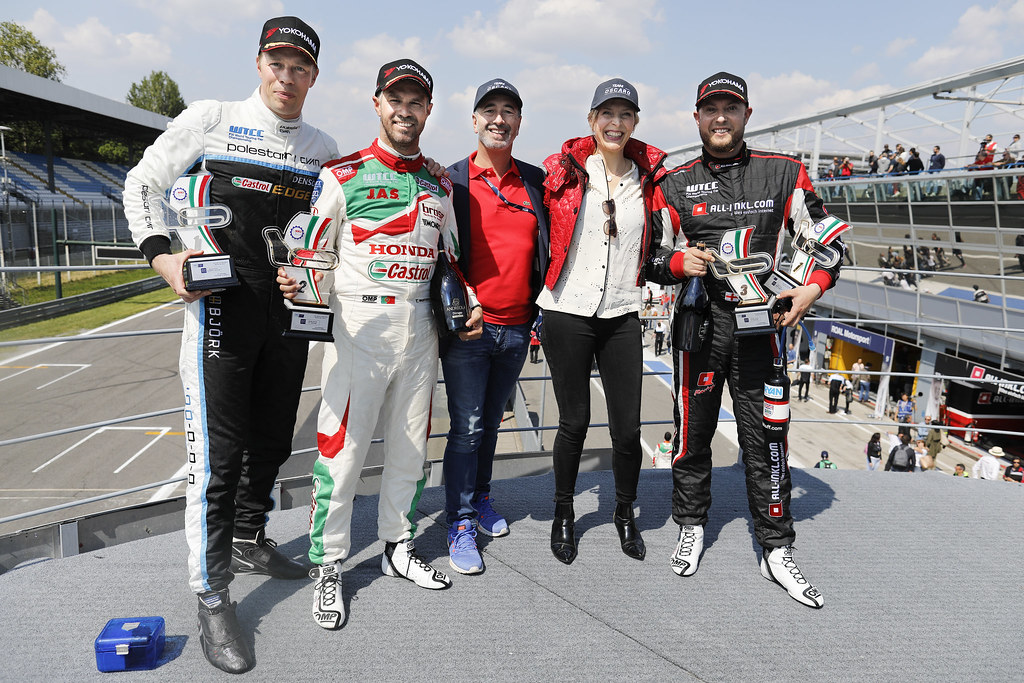 MONTEIRO Tiago (prt) Honda Civic team Castrol Honda WTC ambiance portrait BJORK Thed (swe) Volvo S60 Polestar team Polestar Cyan Racing ambiance portrait HUFF Rob (gbr) Citroen C-Elysée team ALL-INKL.COM Munnich Motorsport ambiance portrait Podium Race 2 during the 2017 FIA WTCC World Touring Car Race of Italy at Monza, from April 28 to 30  - Photo Francois Flamand / DPPI