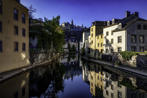 background city color colour desktop evening grund house itunes light luxembourg old playlist reflection river spring street sunset tree urban wallpaper