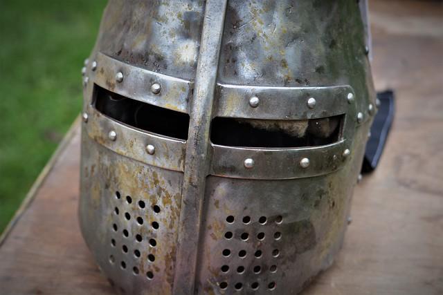 The Knight's Helmet, Nikon D5200, Sigma 70-300mm F4-5.6 APO DG Macro HSM
