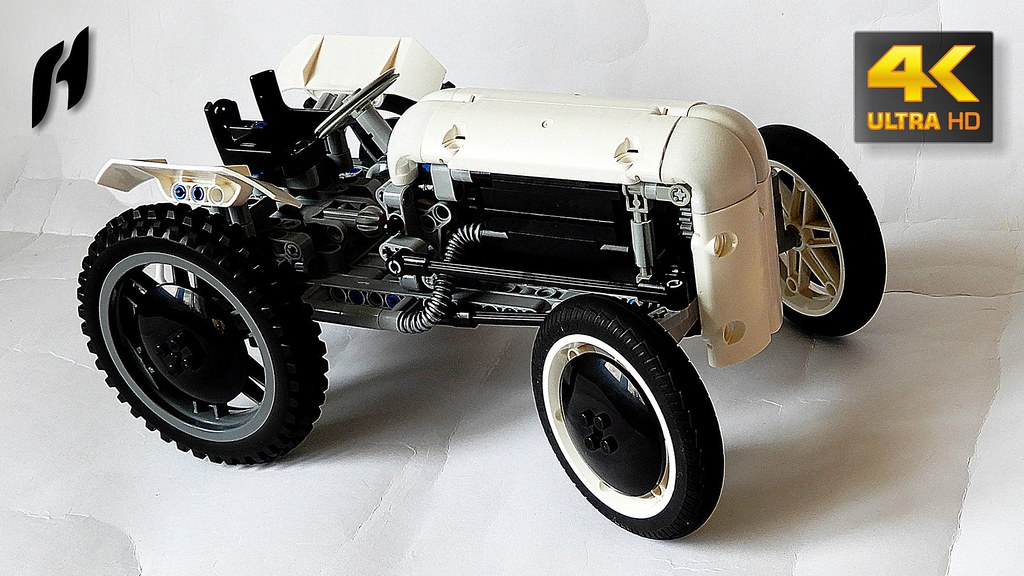Lego Technic Tractor – Massey Ferguson TE20 (custom built Lego model)