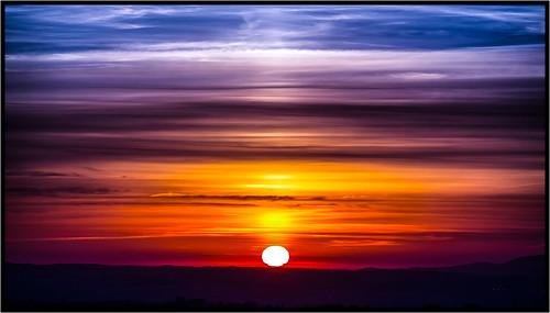nwn martesdenubes nwncloudstuesdaynuvole martedidinuvole naisotwonderfulnubes amanecer sunrise cloudsstormssunsetssonrises felizmartesdenubes naisotwonderful nuvole nubes sol