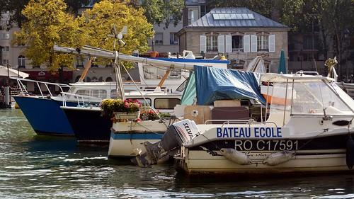 Along the Quais of the Bassin de la Villette (113)
