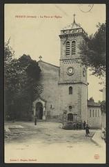 Peyrus (Drôme) - La place et l'église