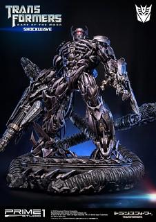 Prime 1 Studio 變形金剛3:黑月降臨【震盪波】Shockwave 全身雕像
