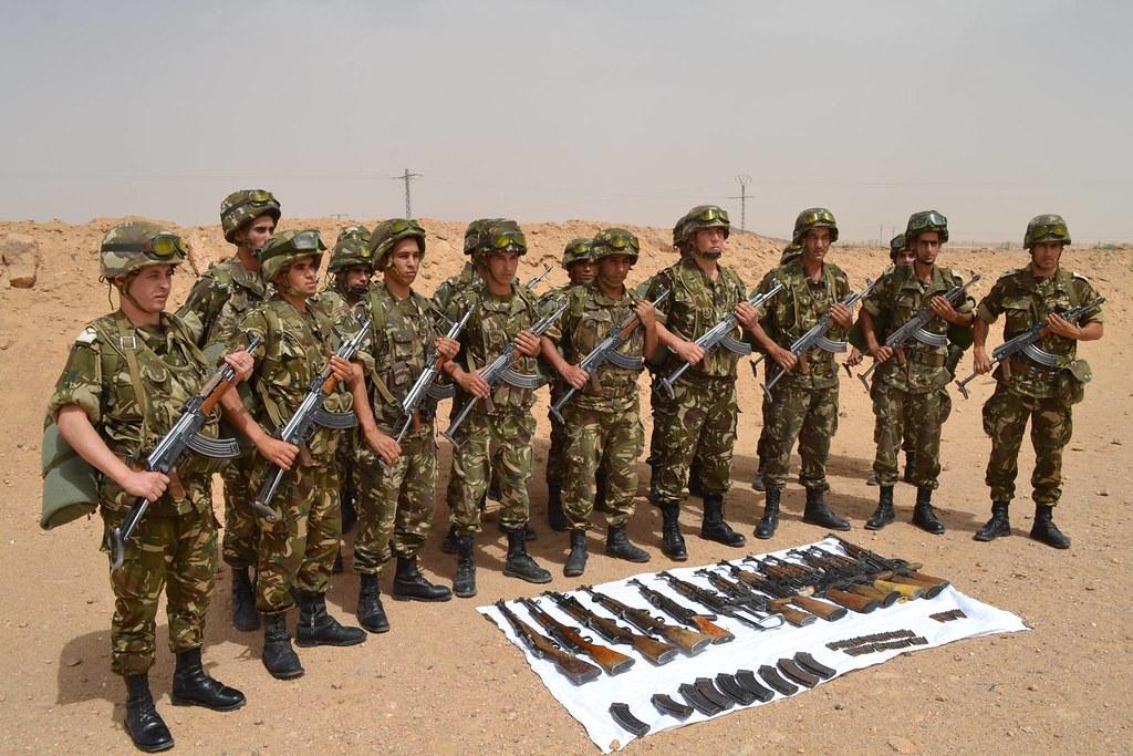 مكافحة الارهاب في الجزائر - صفحة 2 33899036954_82c05f369e_b